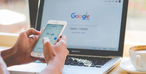 Google bude čelit pokutě ve výši 62 miliard korun. Evropské komisi se nelíbí předinstalovávání jeho aplikací na telefony